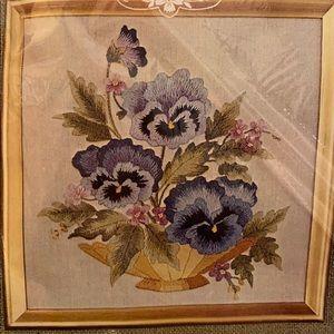 Crewel Embroidery Elsa Williams Pillow Kit NEW